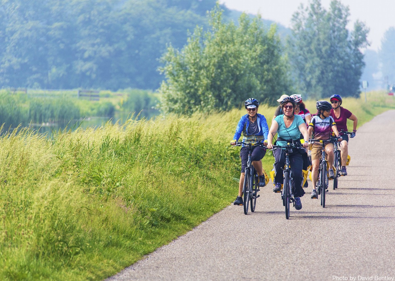 daily-routes-with-the-option-of-guided-group-rides-through-holland.jpg - Holland - Windmills and Golden Beaches - Bike and Barge Holiday - Leisure Cycling