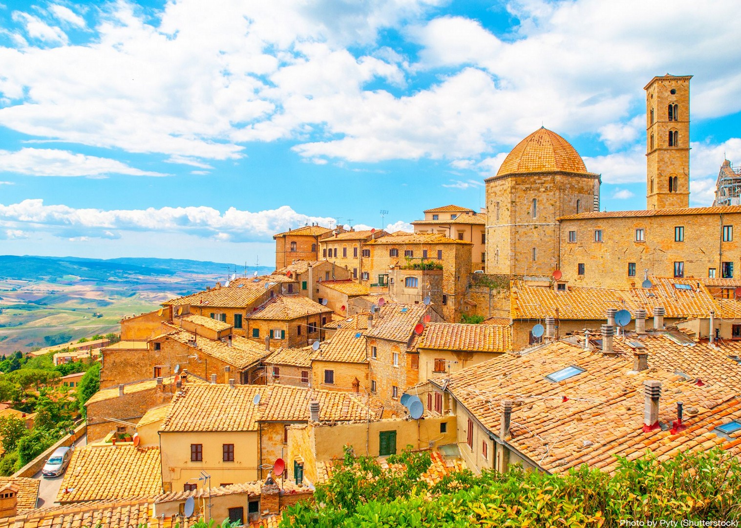 volterra-medieval-tuscan-town-churches-cultural-cycle-tour-guided.jpg - Italy - A Taste of Tuscany - Leisure Cycling