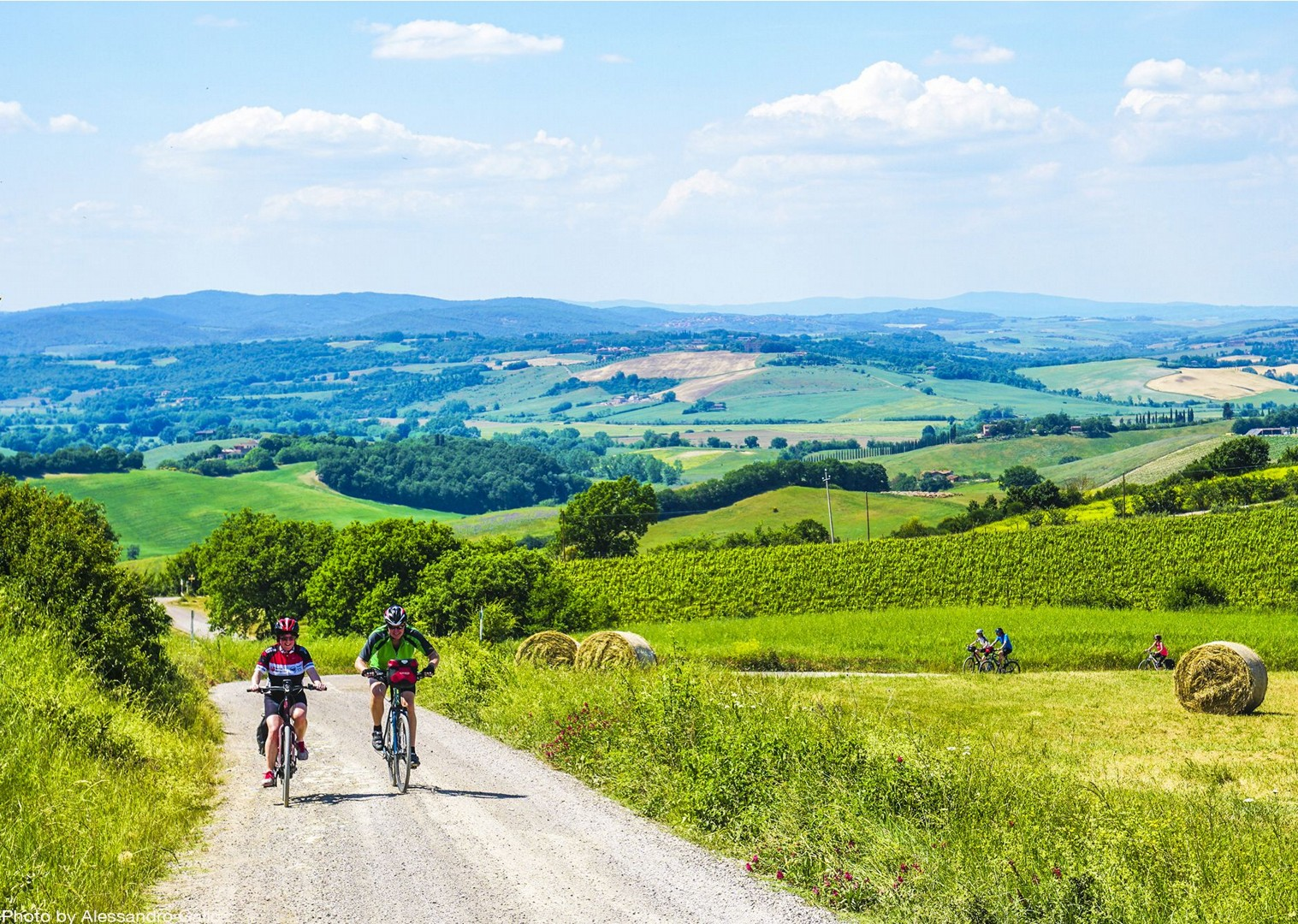 traditional-italian-farms-explore-holiday-bike-tour.jpg - Italy - Classic Tuscany - Self-Guided Leisure Cycling Holiday - Leisure Cycling