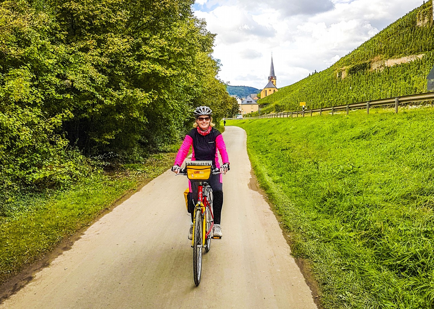 german-stunnning-scenery-happy-self-guided-cycling-tour.jpg - Germany - Moselle Valley - Self-Guided Leisure Cycling Holiday - Leisure Cycling