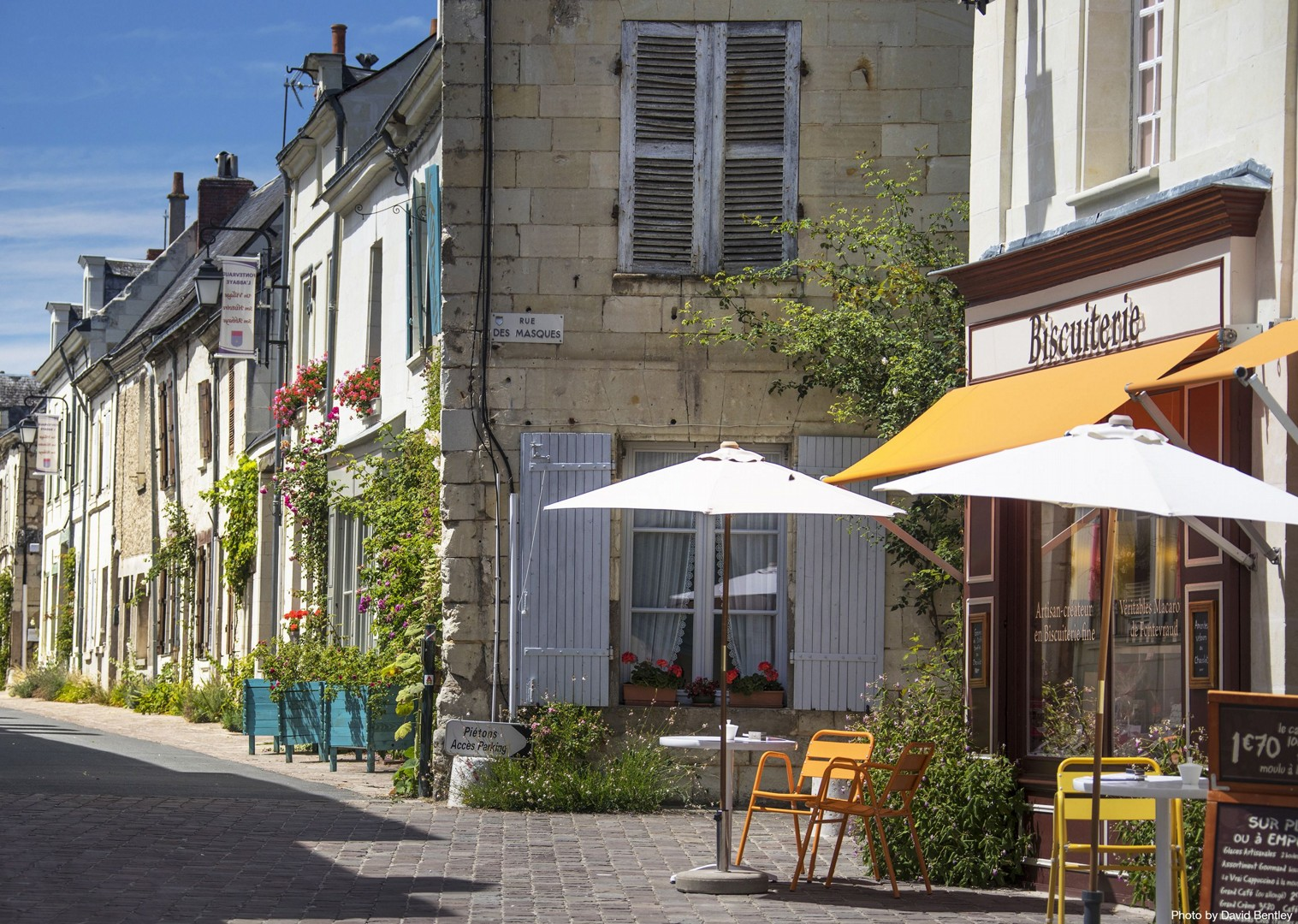 france-self-guided-leisure-holiday.jpg - France - Chateaux of the Loire - Self-Guided Leisure Cycling Holiday - Leisure Cycling