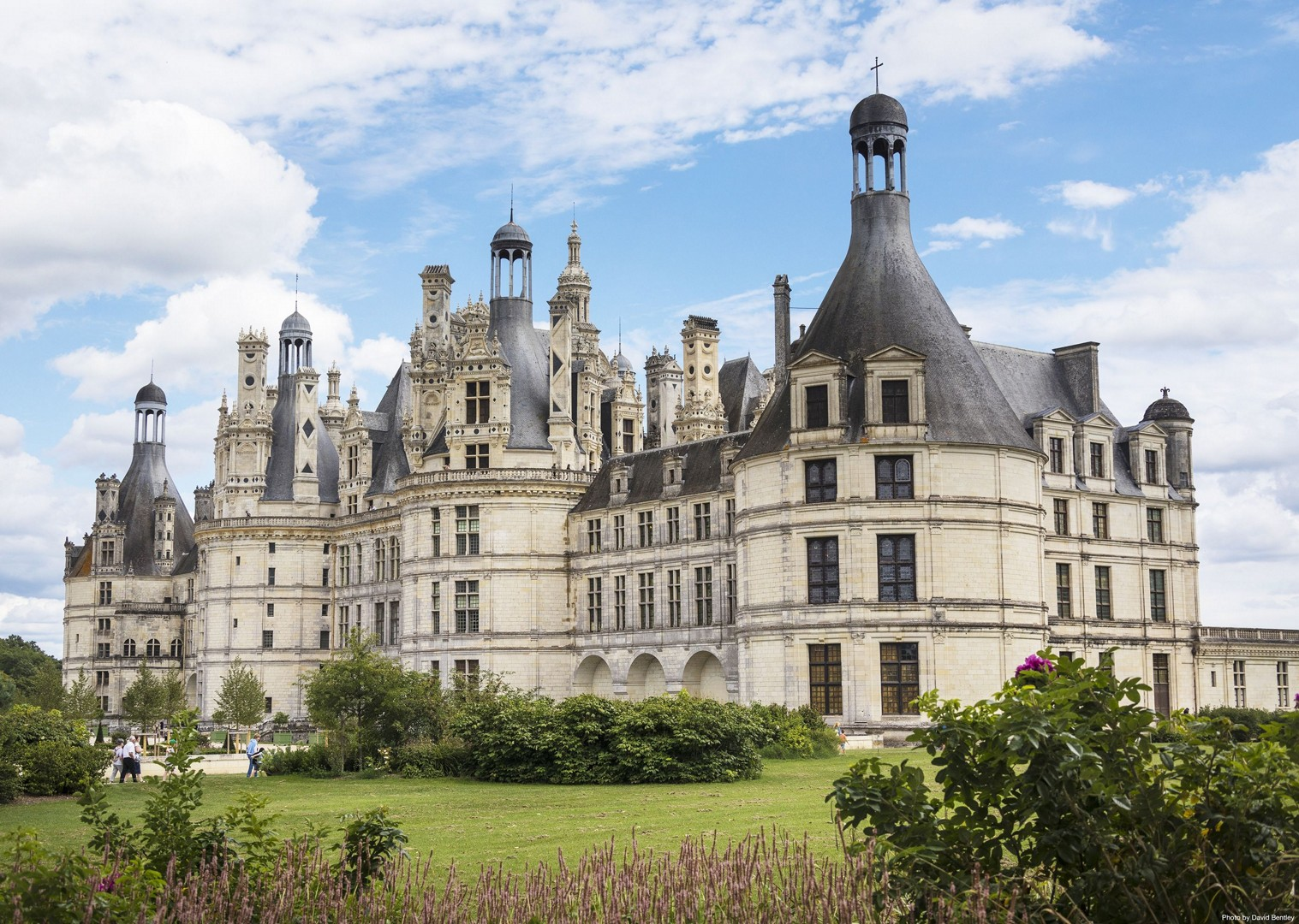 holiday-in-france-cycling.jpg - France - Chateaux of the Loire - Self-Guided Leisure Cycling Holiday - Leisure Cycling