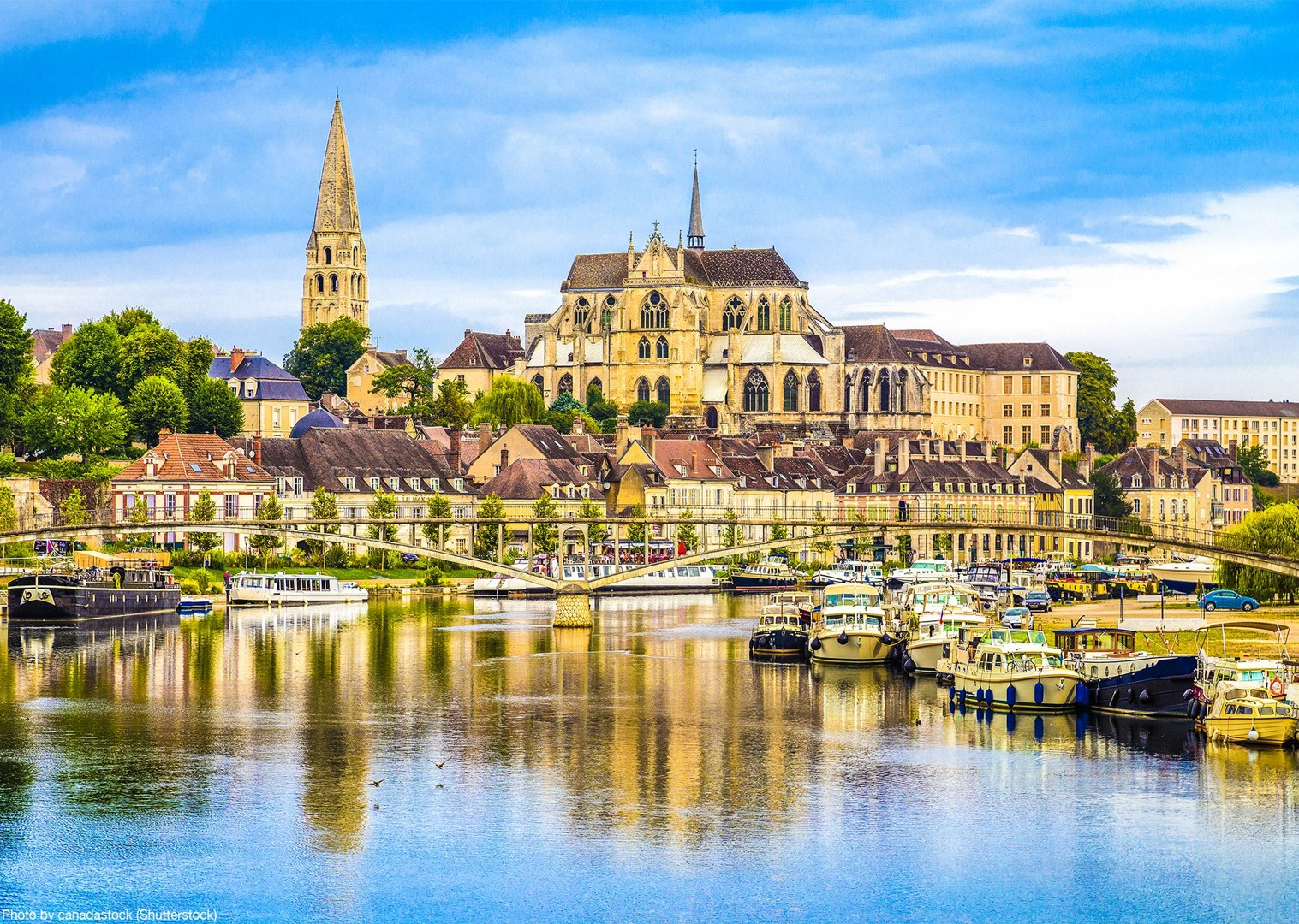 auxerre-cathédrale-saint-etienne-burgundy-canals-cycling.jpg - France - Burgundy - Caves and Canals - Self-Guided Leisure Cycling Holiday - Leisure Cycling