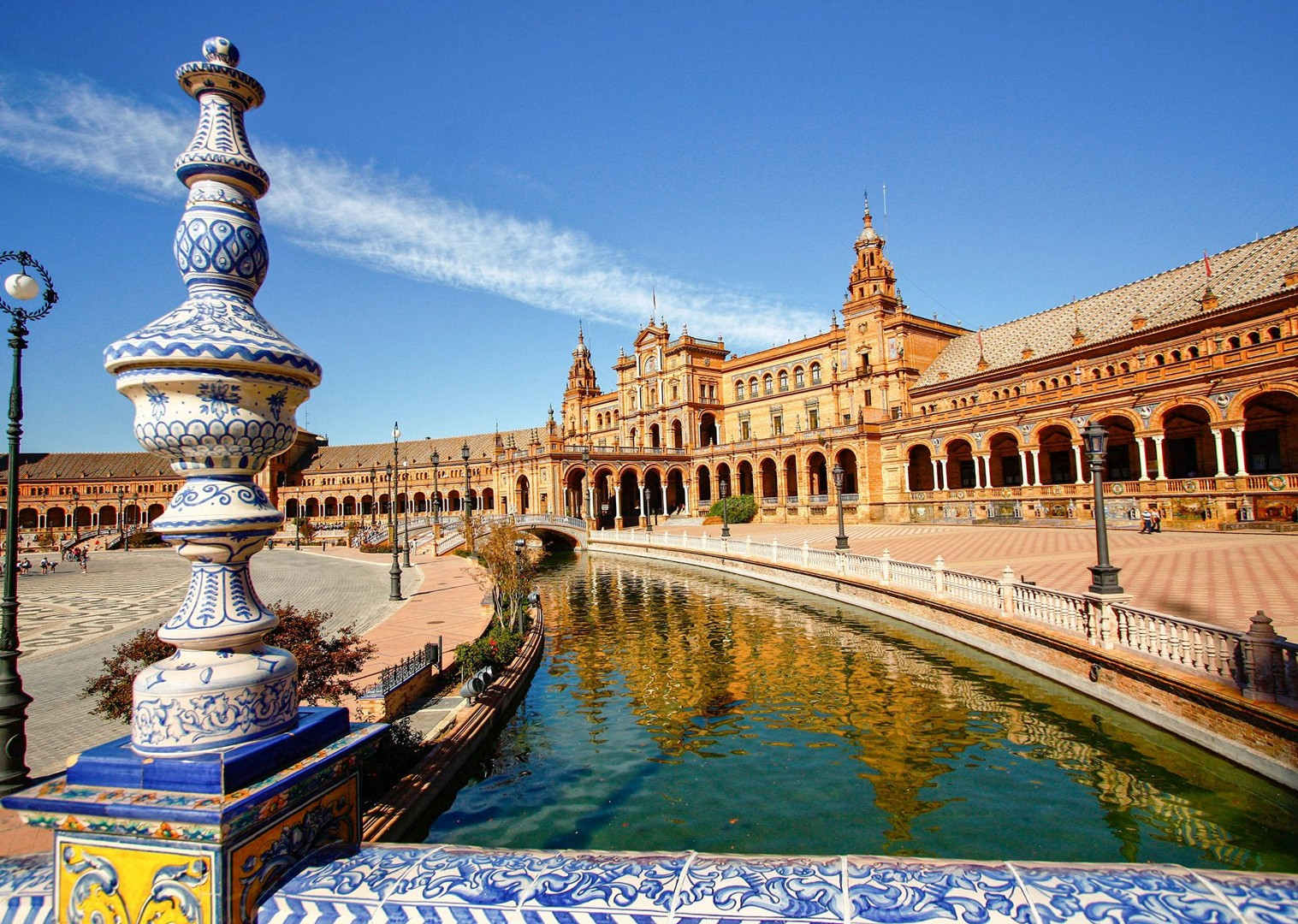 plaza-de-espana-seville-cycling-holiday-in-spain-granada-to-seville-leisure-cycling.jpg - Southern Spain - Granada to Seville - Self-Guided Leisure Cycling Holiday - Leisure Cycling