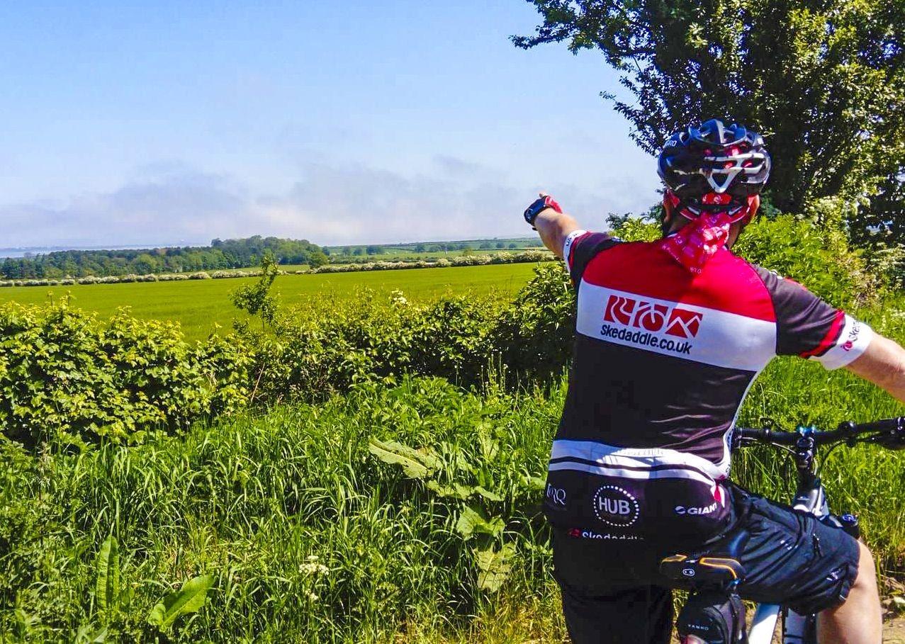 skedaddle-guide-countryside-alnmouth-cycling-bike-tour-holiday-uk.jpg - UK - Northumberland - Alnmouth - Guided Leisure Cycling Holiday - Leisure Cycling