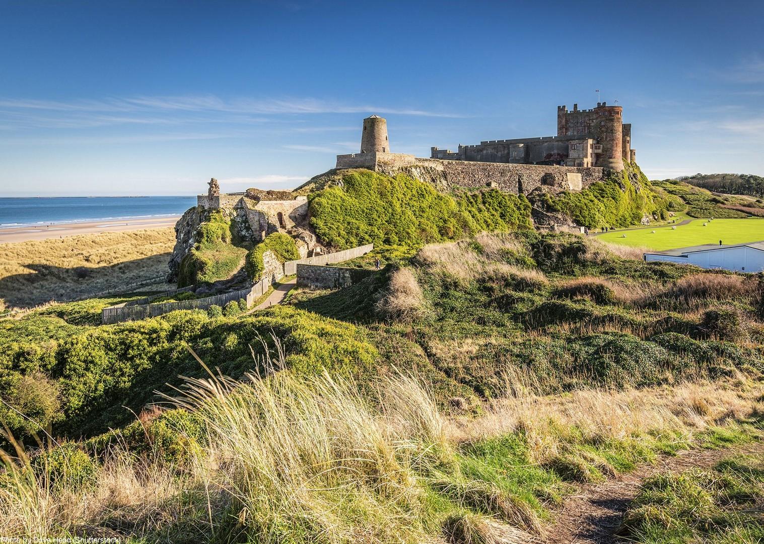 dunstanburgh-bamburgh-castle-coast-uk-england-self-guided-cycling.jpg - UK - Northumberland - Alnmouth - Self-Guided Leisure Cycling Holiday - Leisure Cycling