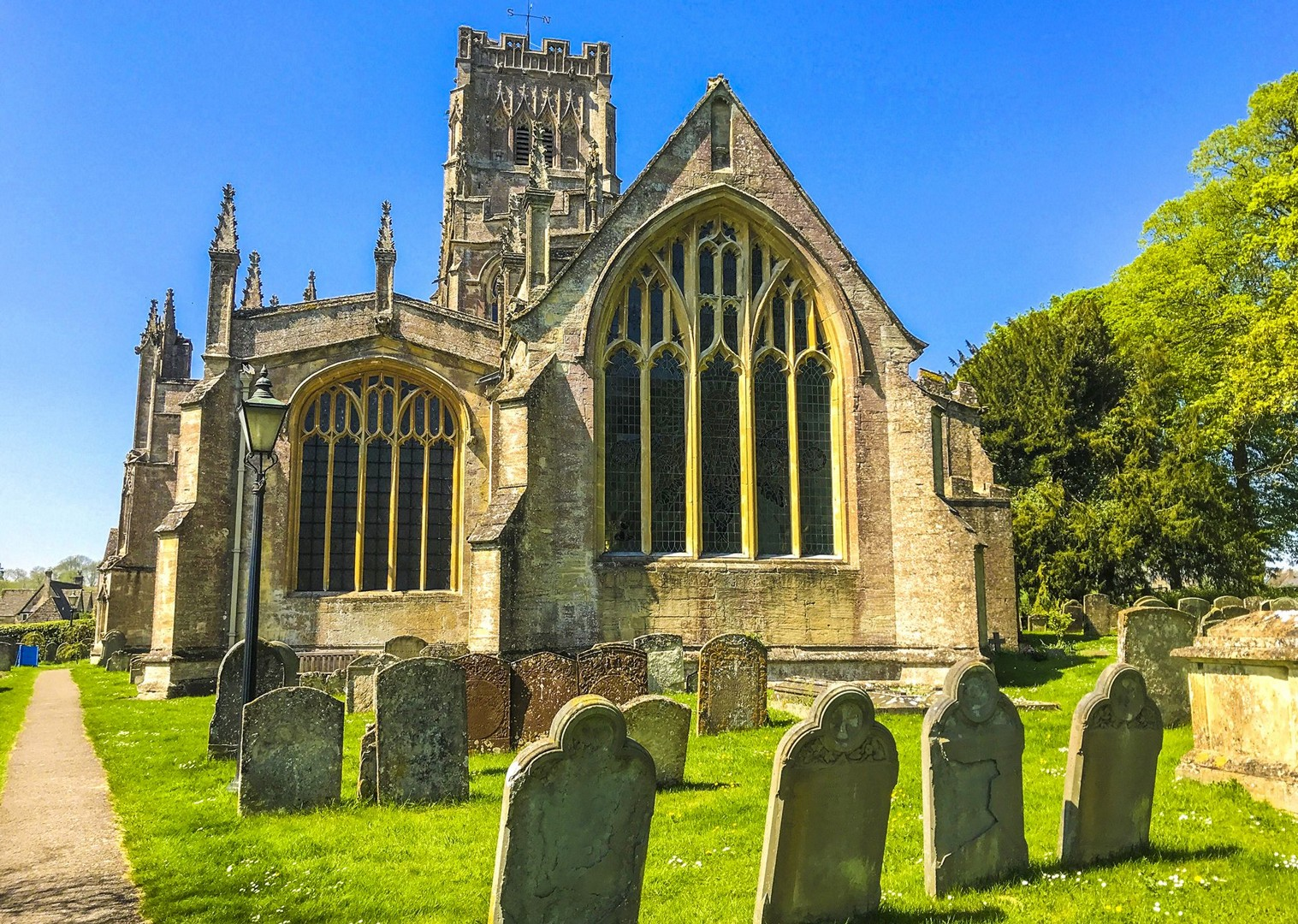 churches-quiet-peaceful-cycling-sights-landmarks-local-culture.jpg - UK - Cotswolds - Bourton-on-the-Water - Guided Leisure Cycling Holiday - Leisure Cycling