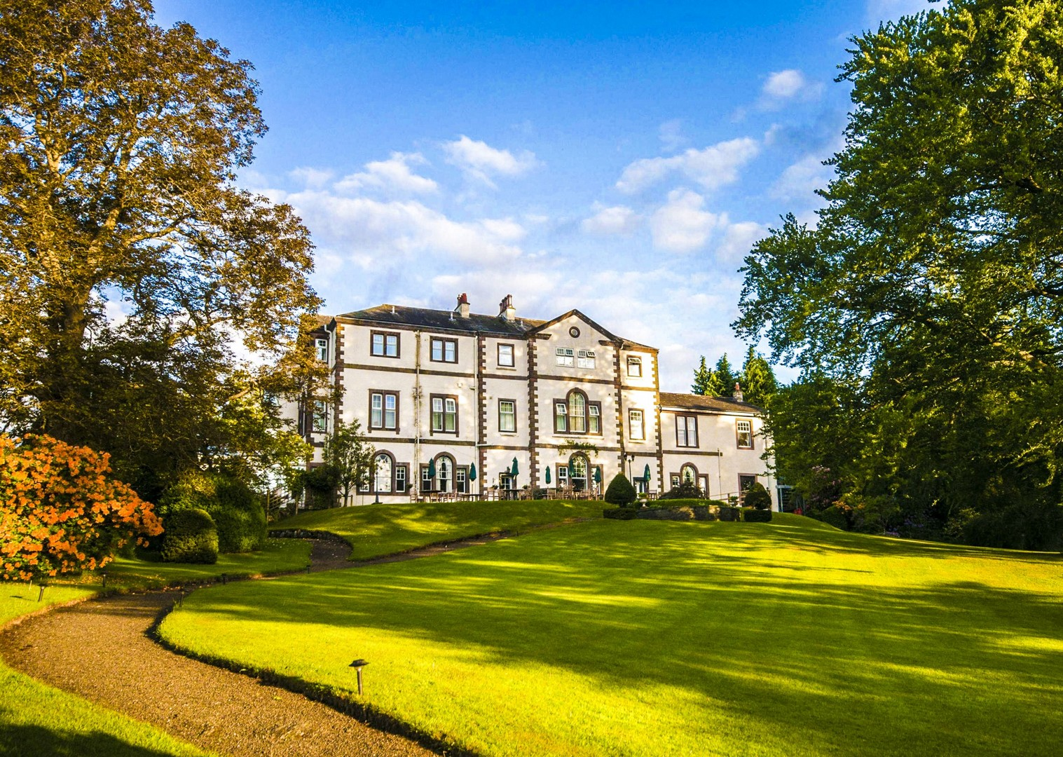 derwent-bank-cycling-tour-high-quality-manor-accommodation-saddle-skedaddle.jpg - UK - Lake District - Derwent Water - Guided Leisure Cycling Holiday - Leisure Cycling