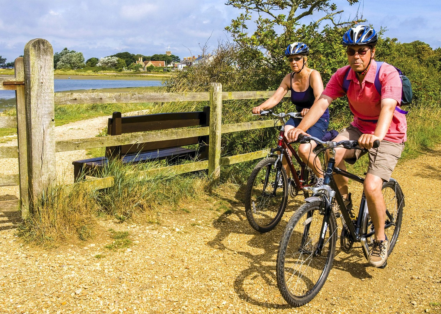 cycling-with-friends-family-self-guided-fun-relaxing-sunny-uk-isle-of-wight.jpg - UK - Isle of Wight - Freshwater Bay - Self-Guided Leisure Cycling Holiday - Leisure Cycling
