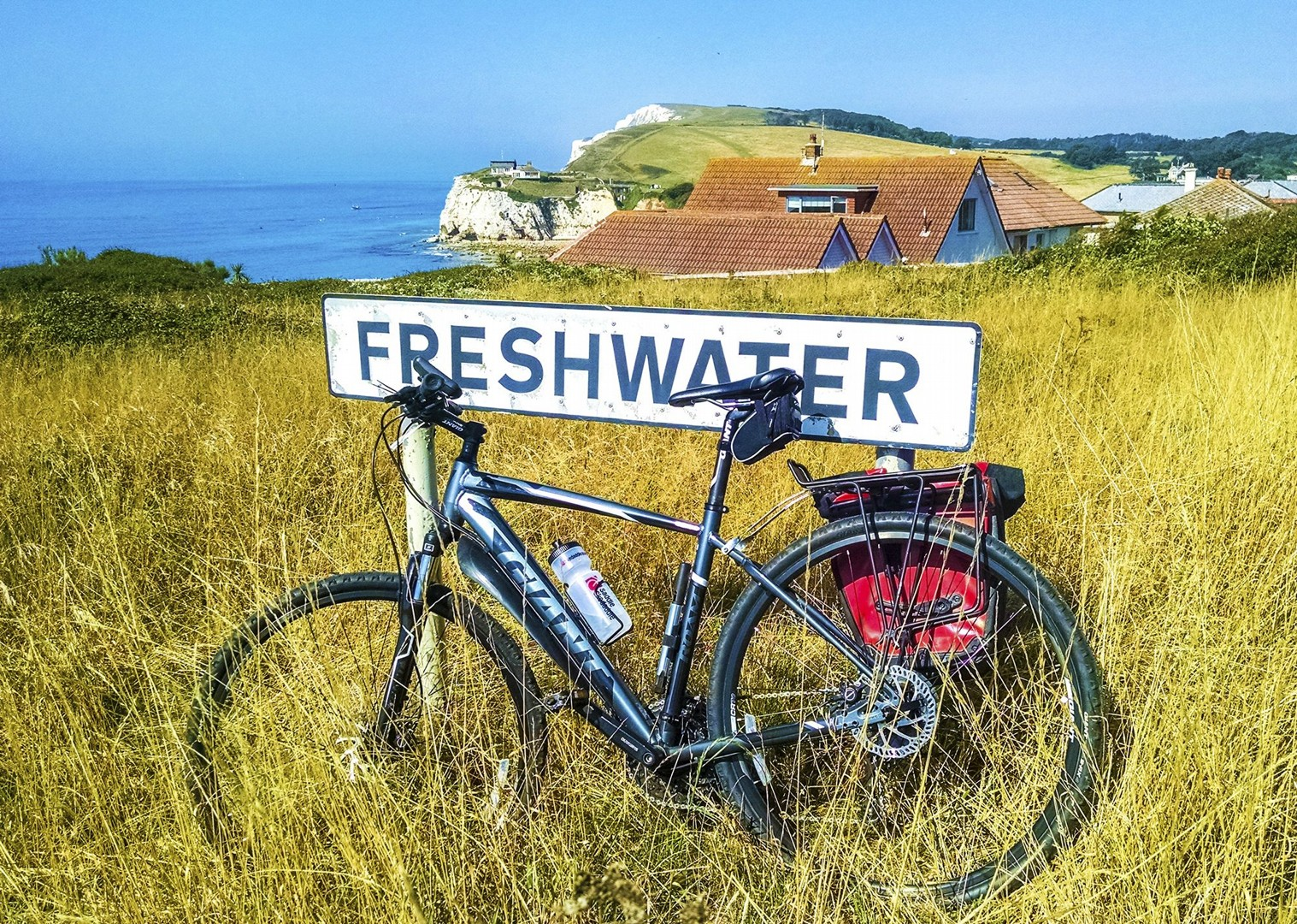 self-guided-cycling-with-saddle-skedaddle-uk-isle-of-wight-freshwater-bay.jpg - UK - Isle of Wight - Freshwater Bay - Self-Guided Leisure Cycling Holiday - Leisure Cycling