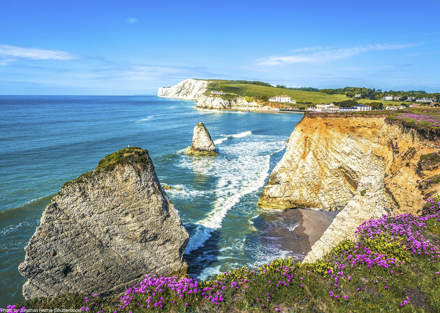 freshwater-bay-isle-of-wight-self-guided-cycling-holiday.jpg - UK - Isle of Wight - Freshwater Bay - Self-Guided Leisure Cycling Holiday - Leisure Cycling