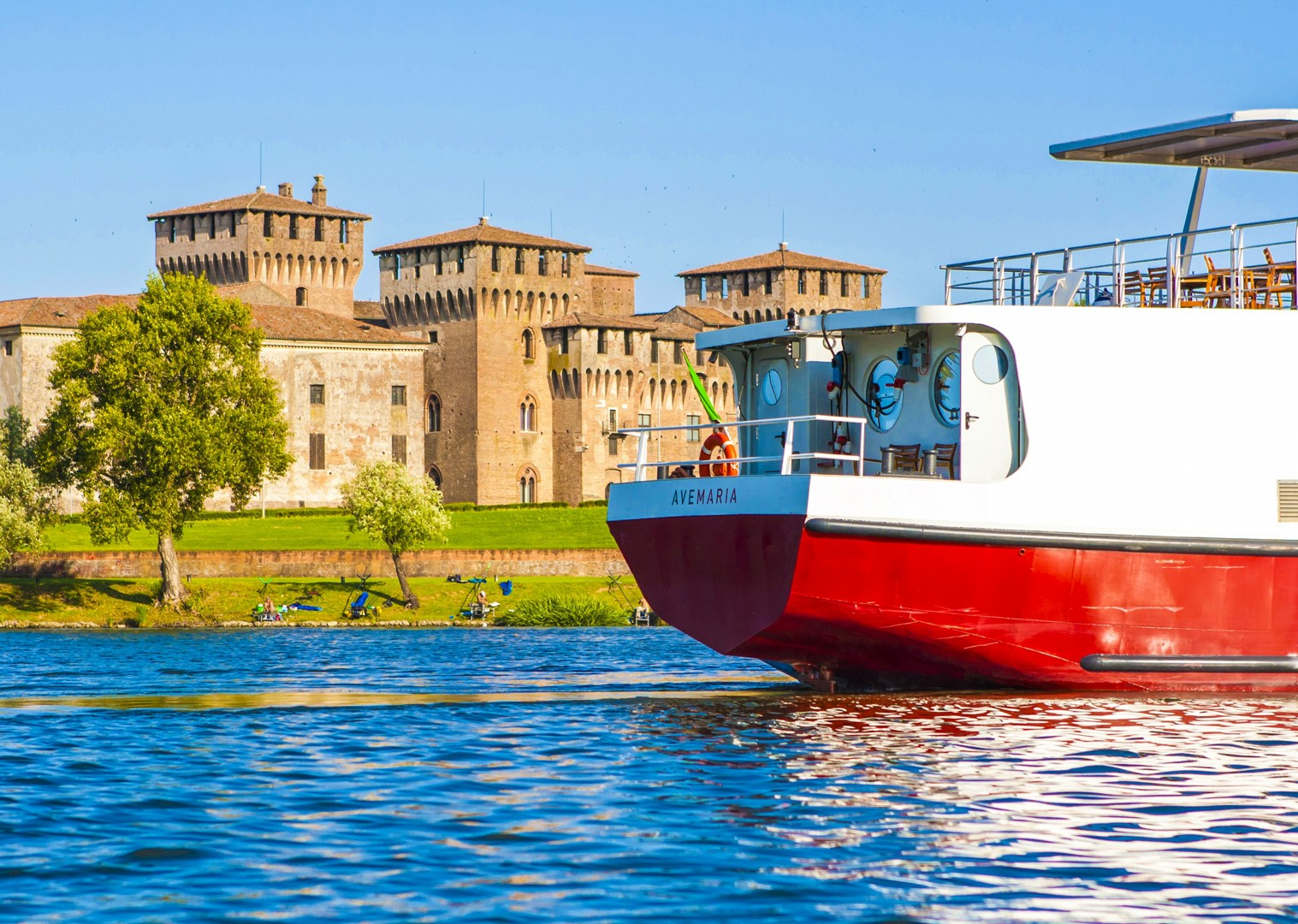 explore-mantova-ave-maria-boat-and-bike-cruise-skedaddle-fun-culture.jpg - Italy - Venetian Waterways (Venice to Mantova) - Bike and Barge Holiday - Leisure Cycling