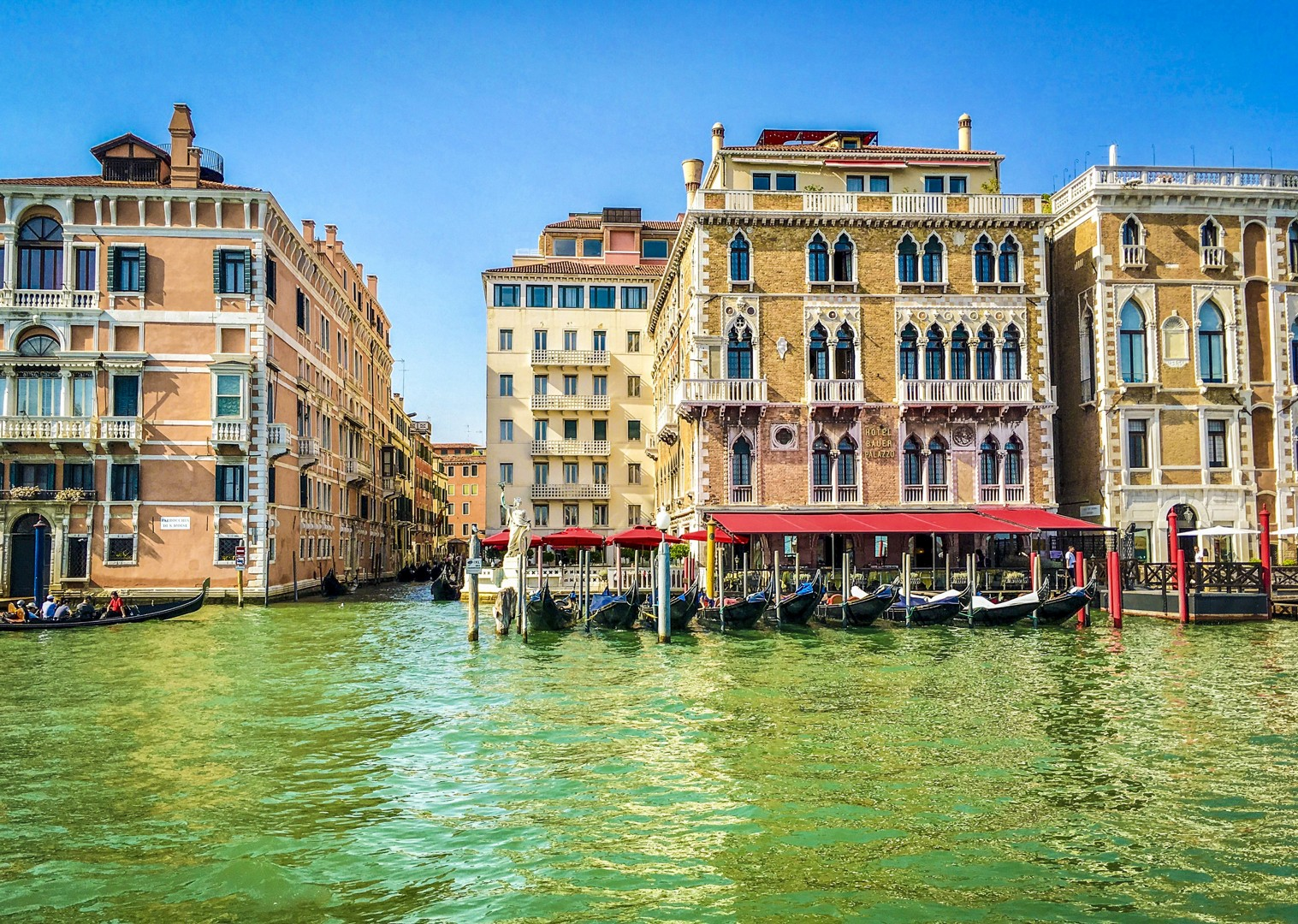 incredible-architecture-venice-city-visit-by-bike-and-boat-holiday.jpg - Italy - Venetian Waterways (Venice to Mantova) - Bike and Barge Holiday - Leisure Cycling