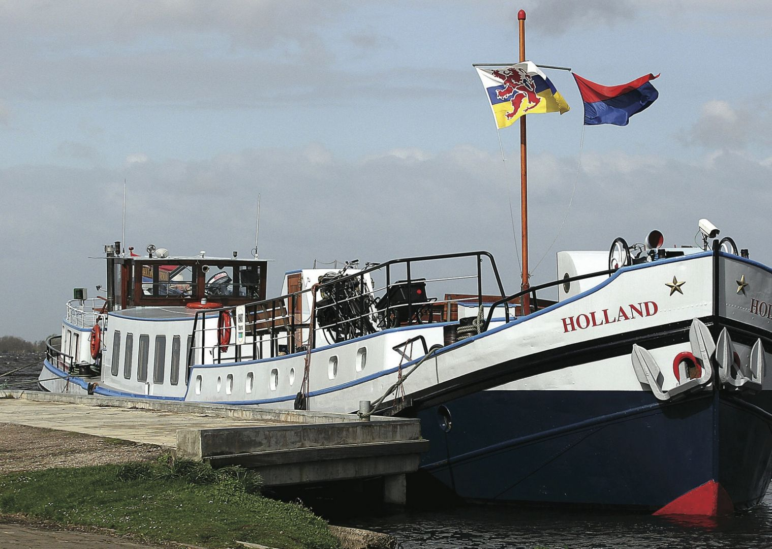 HFhollandcycling5.jpg - Holland - The Tulip Tour - Bike and Barge Holiday - Leisure Cycling