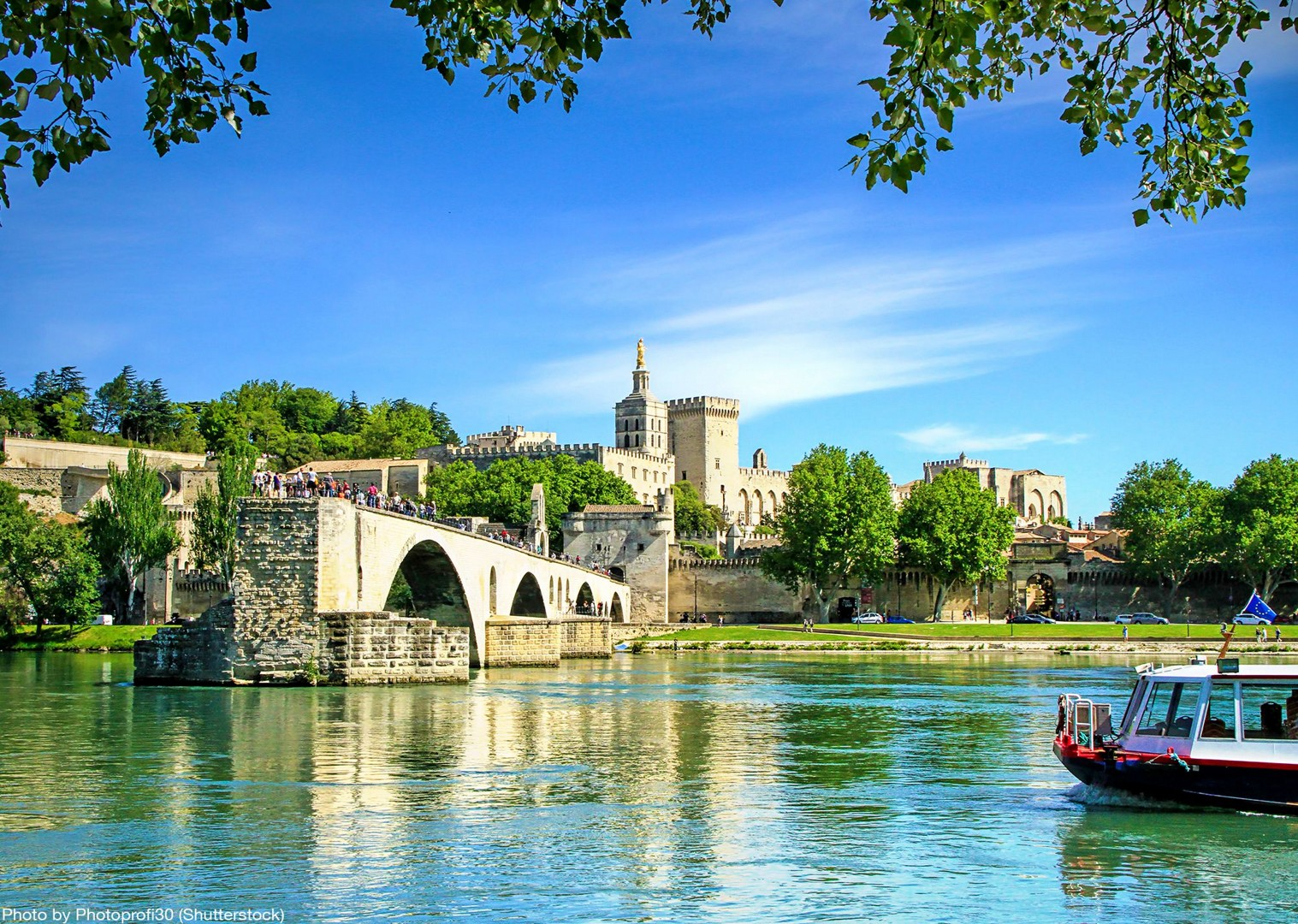 palais-des-papes-avignon-bike-tour-france.jpg - France - Provence - Avignon to Aigues-Mortes - Bike and Barge Holiday - Leisure Cycling