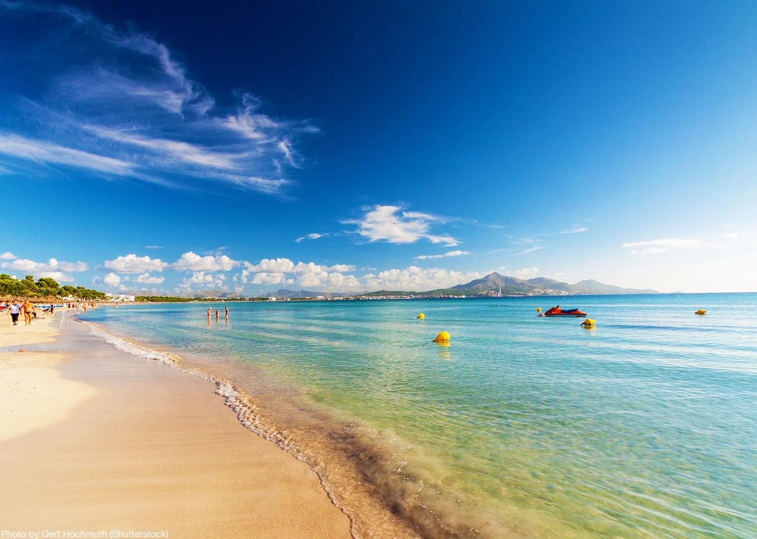 watersports-sea-mallorca-island-fun-beaches-bike-holiday-playa-st-vincent.jpg - Spain - Mallorca - Self-Guided Leisure Cycling Holiday - Leisure Cycling