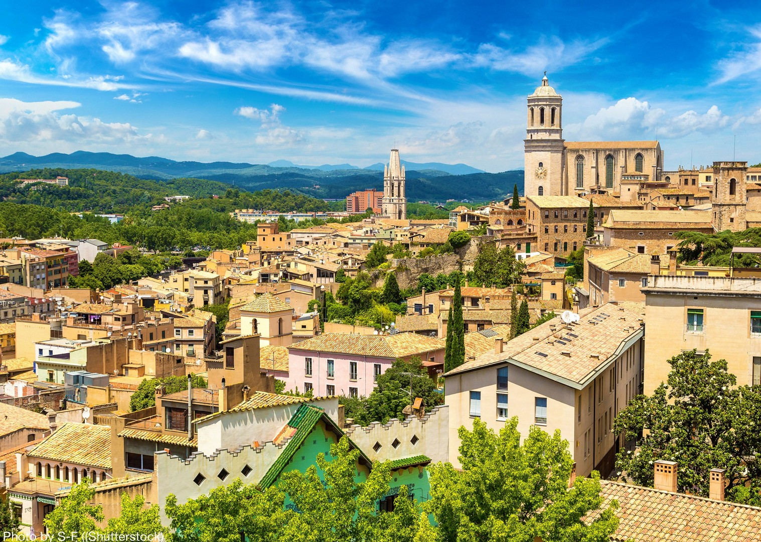 bike-past-historic-landmarks-in-classic-spanish-towns.jpg - Spain - Greenways of Catalonia - Self-Guided Leisure Cycling Holiday - Leisure Cycling