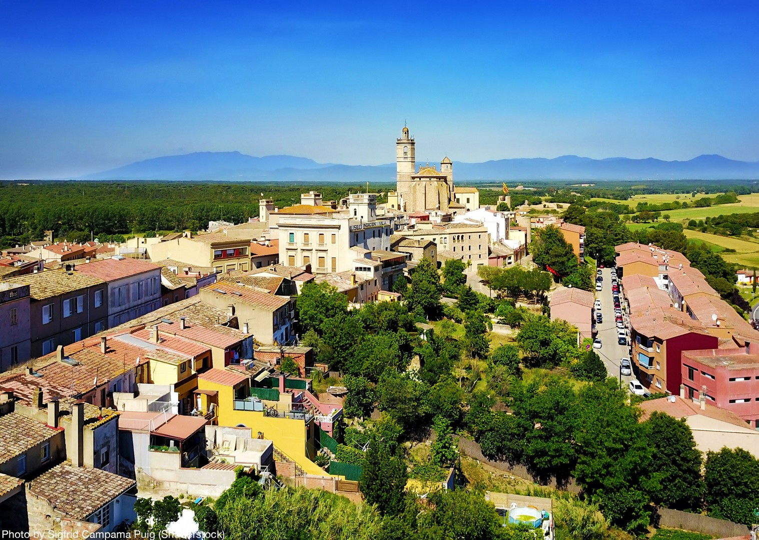 explore-coastal-and-stunning-scenery-of-olot.jpg - Spain - Greenways of Catalonia - Self-Guided Leisure Cycling Holiday - Leisure Cycling