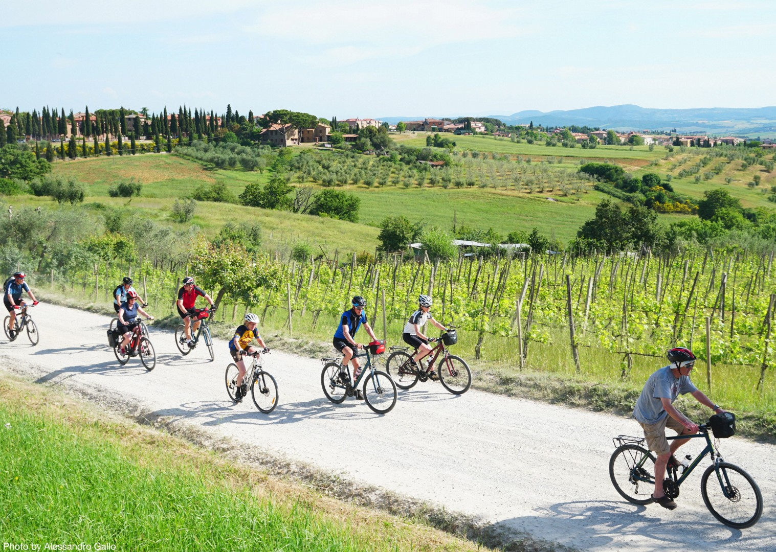 Italy-Via-Francigena-Tuscany-to-Rome-Guided-Leisure-Cycling-Holiday-group-cycling - Italy - Via Francigena (Tuscany to Rome) - Guided Leisure Cycling Holiday - Leisure Cycling