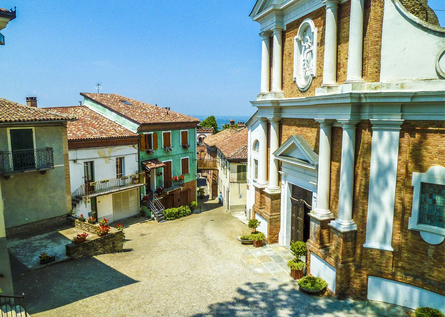 traditional-accommodation-agriturismo-saddle-skedaddle-cycling-holiday-tour-italy.jpg - Italy - Piemonte - Vineyards and Views - Self-Guided Leisure Cycling Holiday - Leisure Cycling