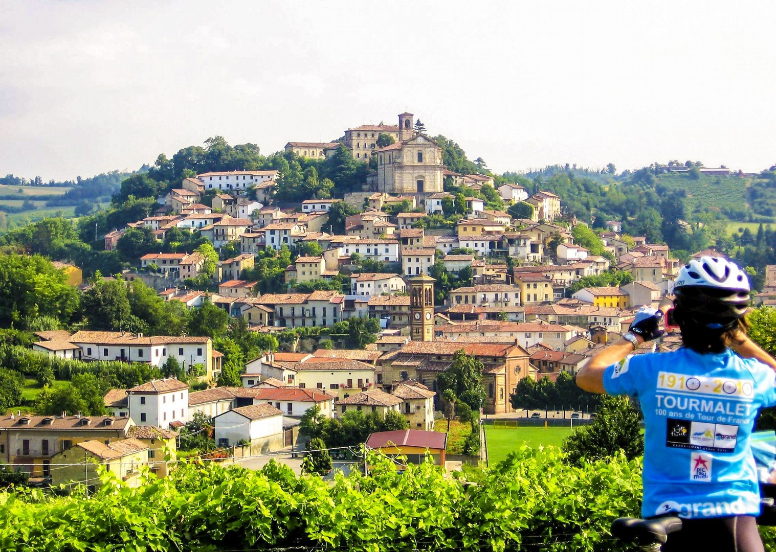 piedmont-italy-self-guided-cycling-culture-experience-agriturismo-accommodation.jpg - Italy - Piemonte - Vineyards and Views - Self-Guided Leisure Cycling Holiday - Leisure Cycling