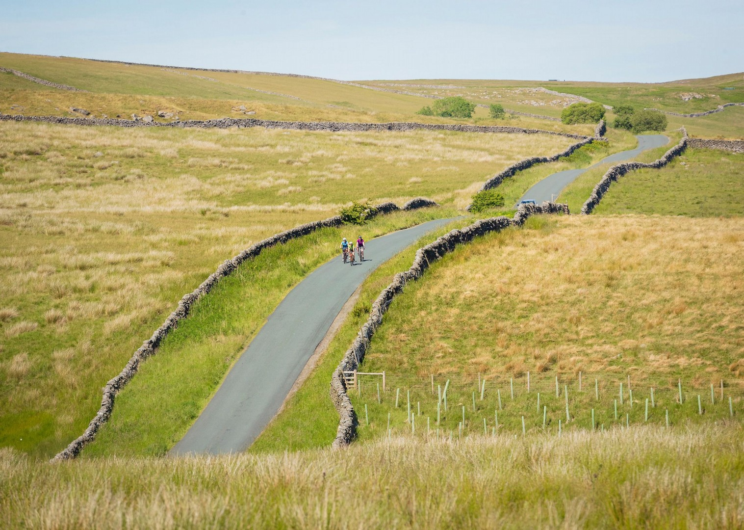 hill-terrain-yorkshire-dales-self-guided-cycling-tour.jpg - UK - Way of the Roses 5 Days Cycling - Self-Guided Leisure Cycling Holiday - Leisure Cycling