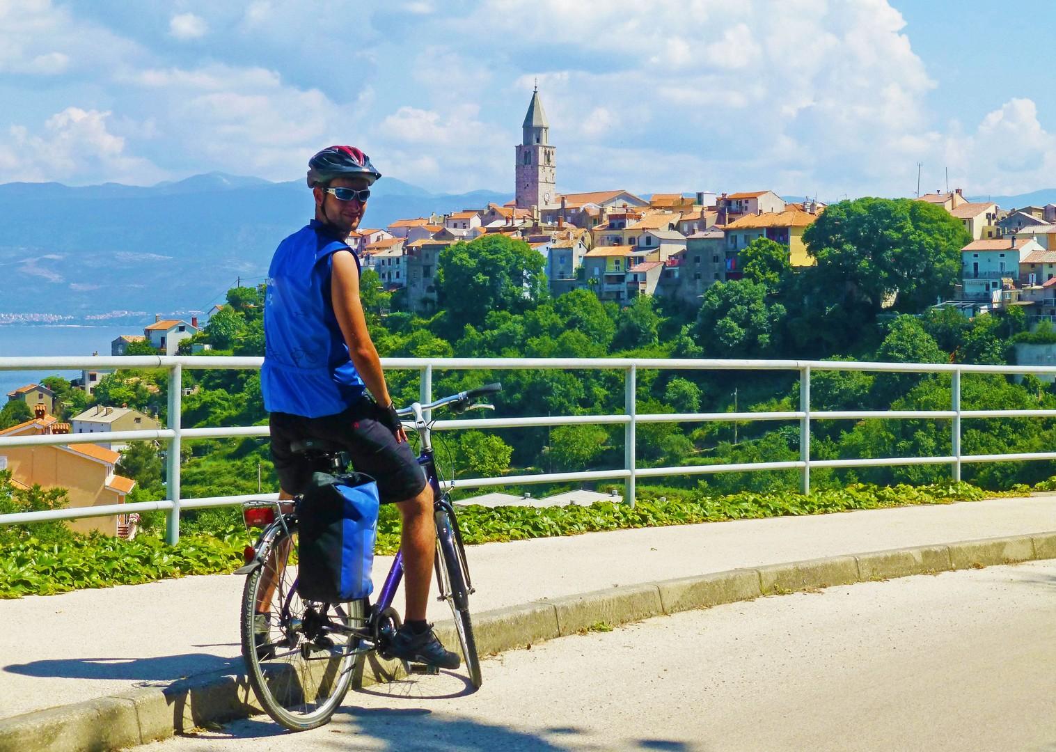 vrbnik-cycling-leisure-tour-saddle-skedaddle.jpg - Croatia - Kvarner Bay - Bike and Boat Holiday - Leisure Cycling