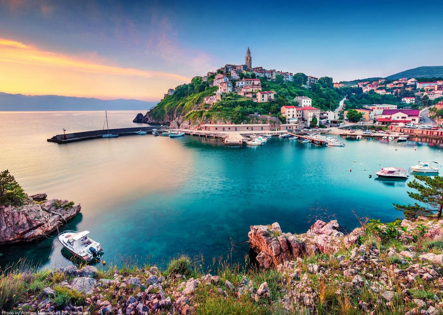 mali-losinj-town-croatia-saddle-skedaddle-cycle.jpg - Croatia - Kvarner Bay - Bike and Boat Holiday - Leisure Cycling