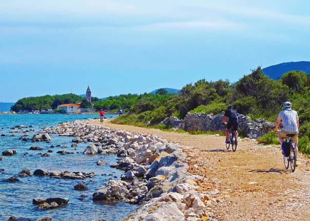 coastal-ride-leisure-boat-views-croatia-skedaddle.jpg