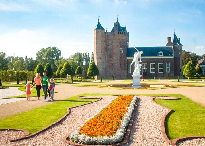 family-cycling-holland-canals-and-castles-self-guided-holiday.jpg - NEW! Holland - Dutch Discoverer - Canals and Castles - Family Cycling