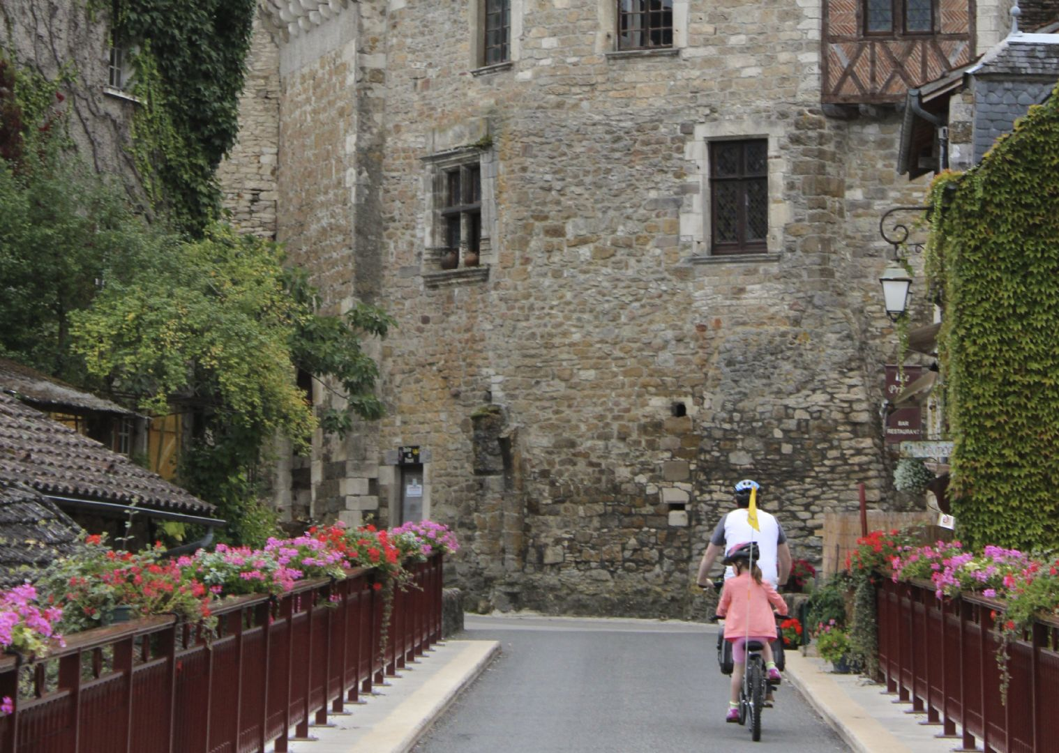 francefamilycycling7.jpg - France - Loire - Valley of Castles - Self-Guided Family Cycling Holiday - Family Cycling