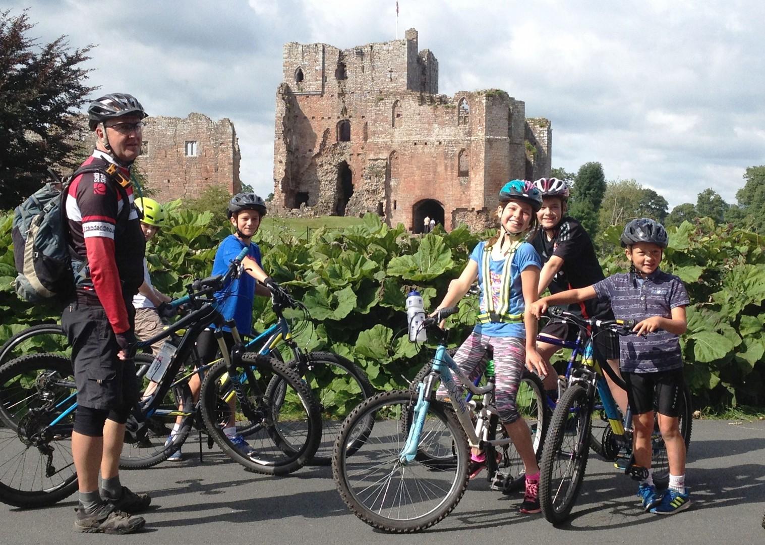 family-lake-district-weekend-skills.jpg - UK - Lake District - Bike Skills - Family Cycling