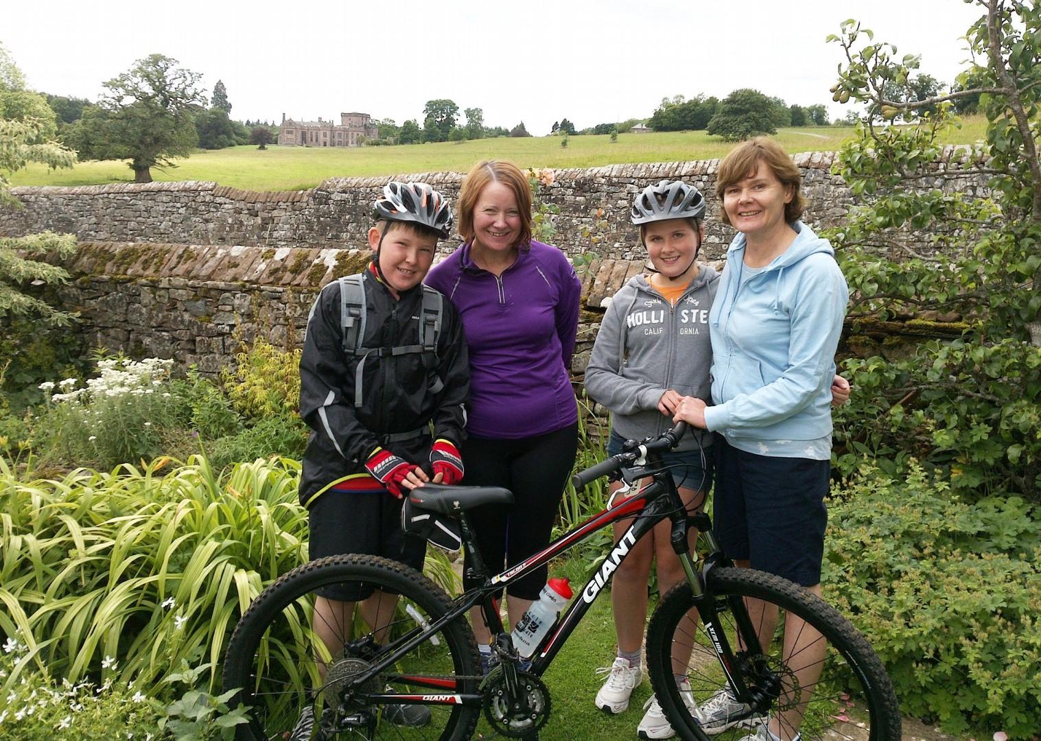 family-guided-bike-skills-uk-lake-district-cycling-holiday.jpg - UK - Lake District - Guided Family Bike Skills - Family Cycling