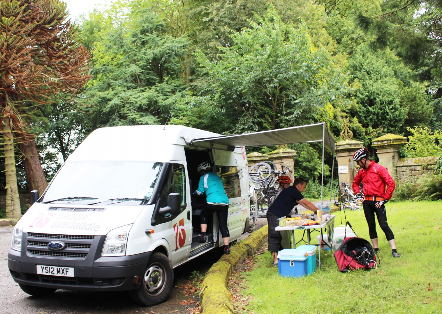 skedaddle-support-van-family-cycling-holiday.jpg - UK - Hadrian's Cycleway 4 Day - Supported Family Cycling Holiday - Family Cycling