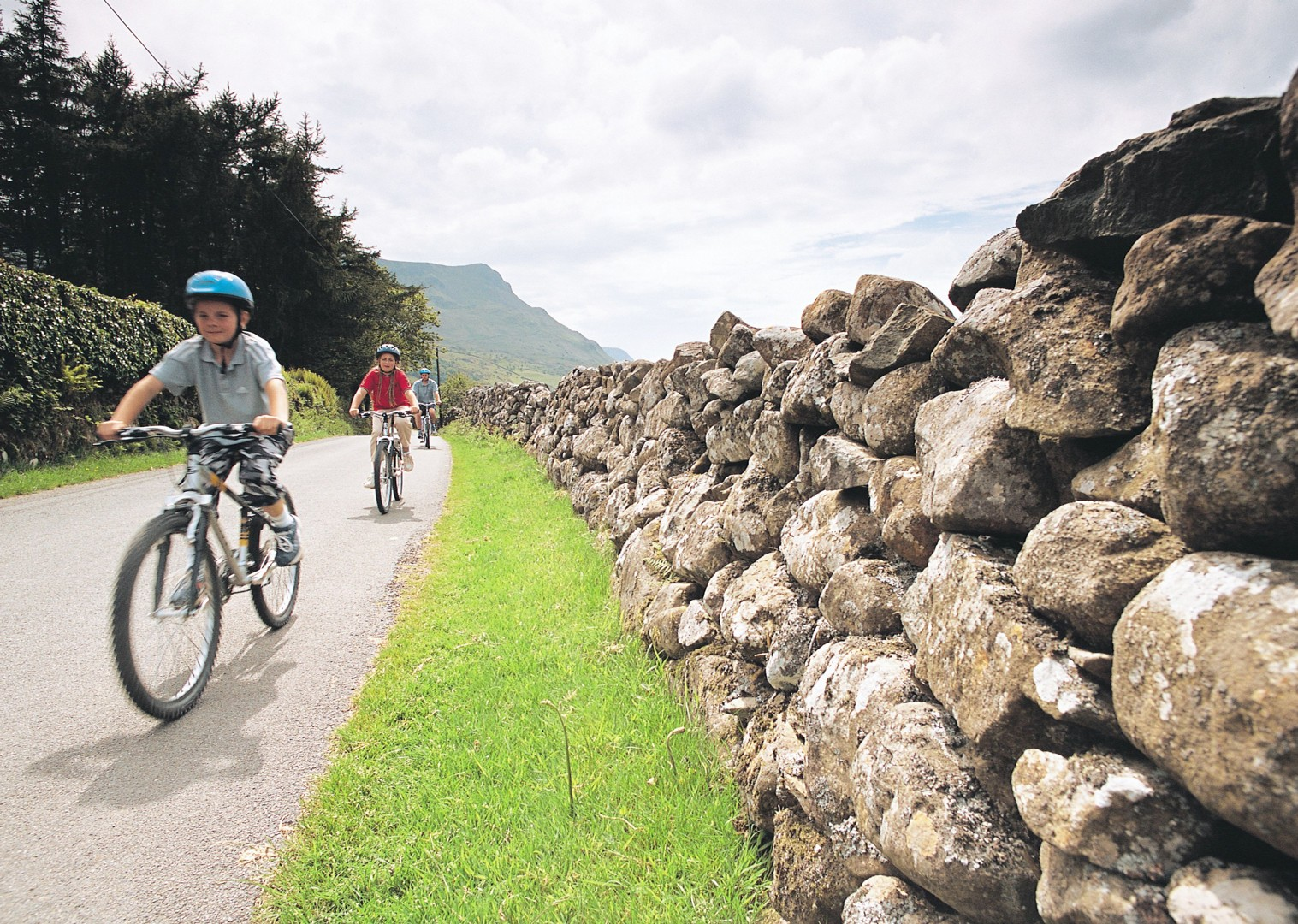 hadrians-wall-cycling-holiday-family-supported.jpg - UK - Hadrian's Cycleway 4 Day - Supported Family Cycling Holiday - Family Cycling