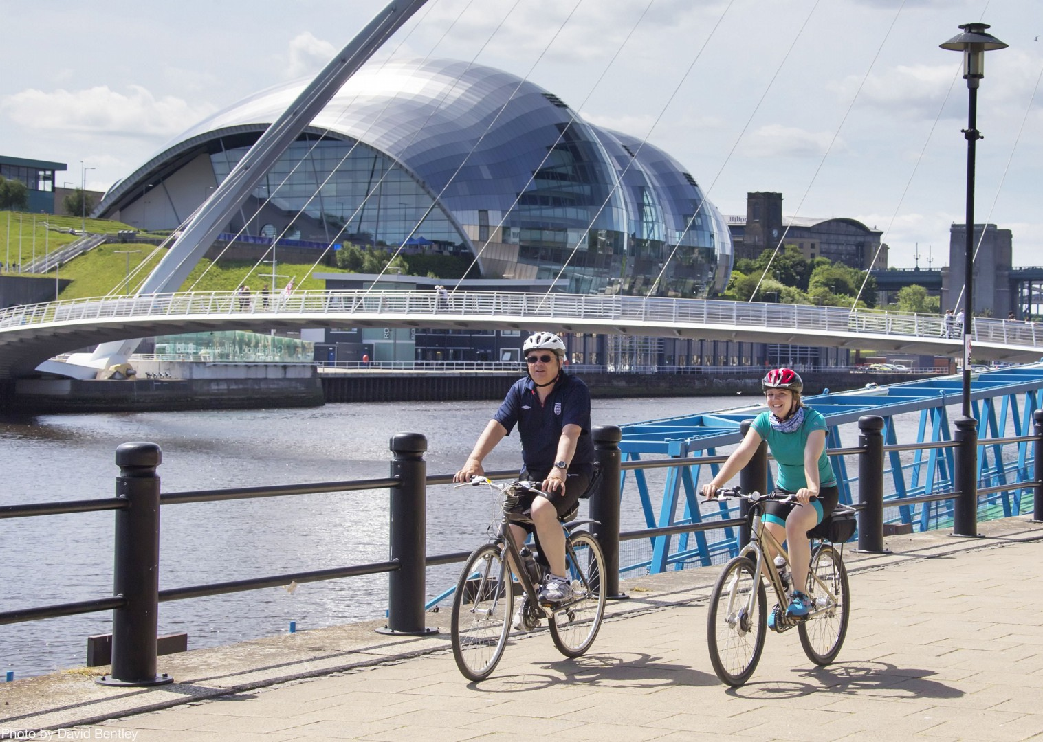 newcastle-millenium-bridge-supported-family-cycling.jpg - UK - Hadrian's Cycleway 4 Day - Supported Family Cycling Holiday - Family Cycling