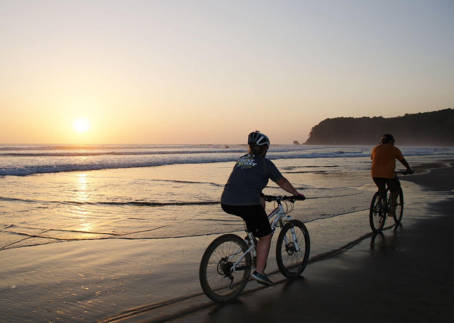 sunset-beach-costa-rica-guided-cycling-holiday.jpg - Costa Rica - Volcanoes and Valleys - Guided Family Cycling Holiday - Family Cycling