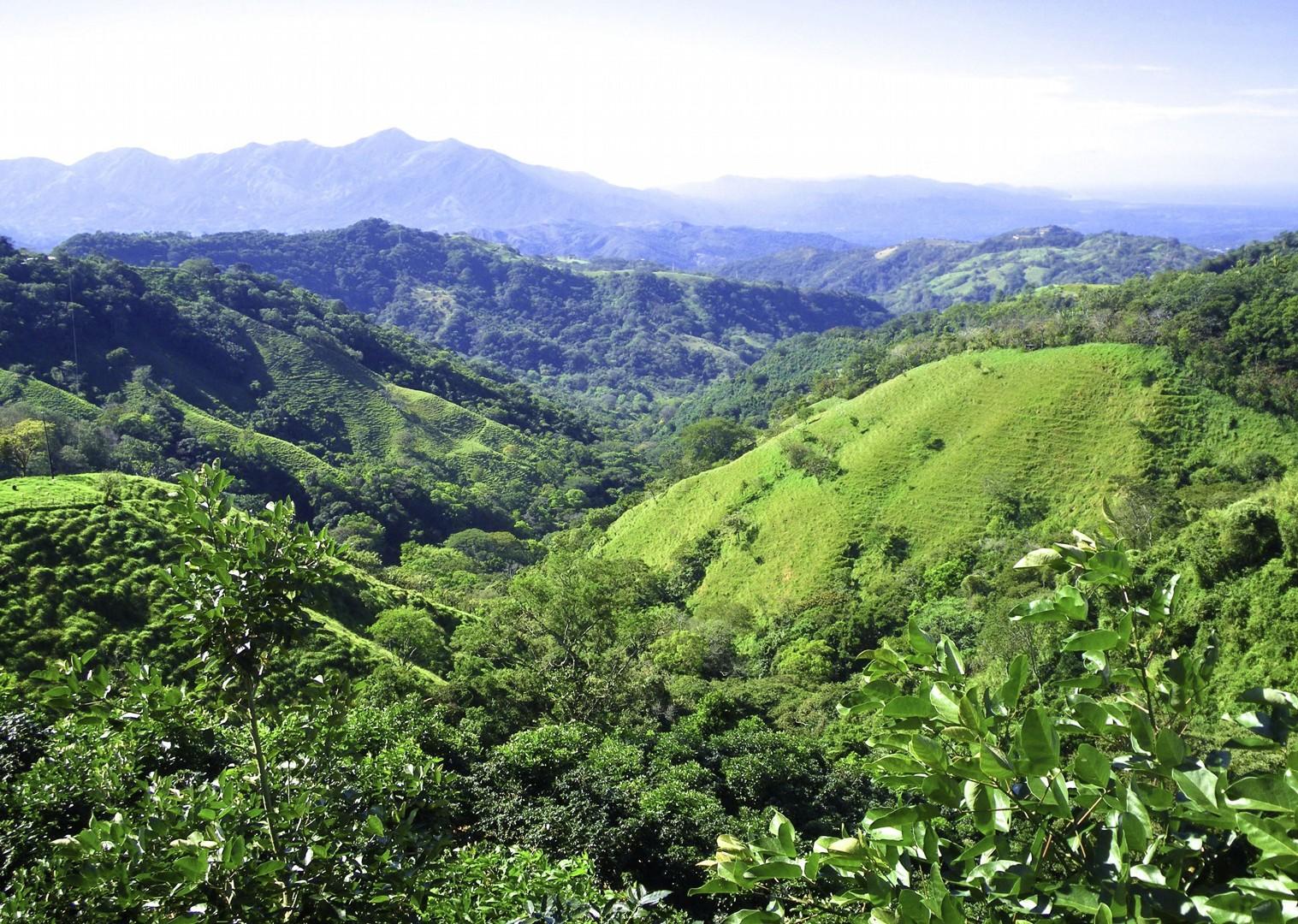 costa-rica-valleys-family-cycling-holiday.jpg - Costa Rica - Volcanoes and Valleys - Guided Family Cycling Holiday - Family Cycling