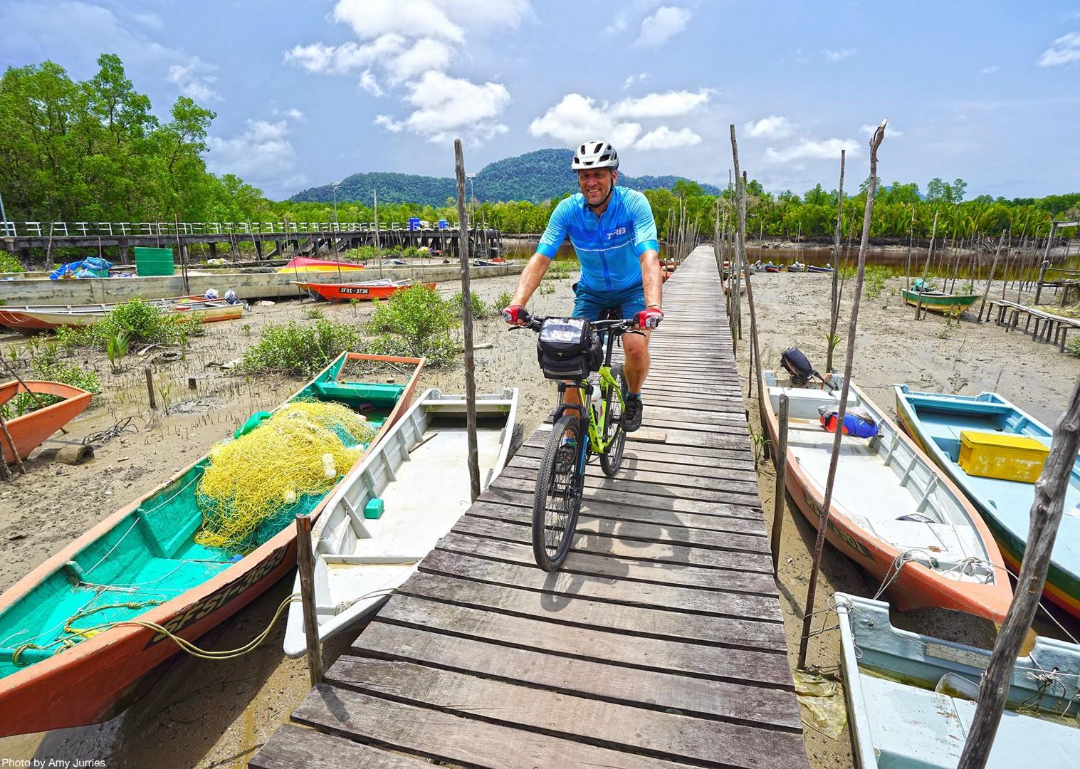 andrewboats.jpg - Borneo - Sarawak Jungle Adventures - Family Cycling